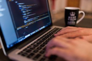 Bezpečnosť na internete by mala byť prvoradá